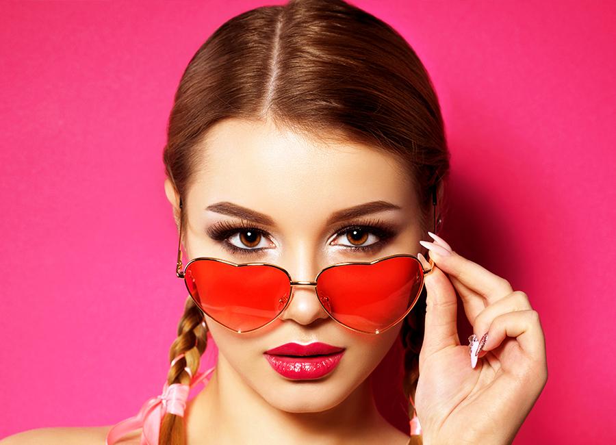 7 Consejos de Maquillaje para chicas que usan gafas